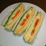 上島珈琲店 - ミックスサンド♥ 小腹空いたので つまみました。 (  ´∀`)σ)∀`)
