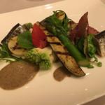 ミチノ・ル・トゥールビヨン - 秋刀魚と温野菜と岩蛸       煎り子のバーニャカウダ