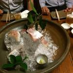 55895880 - 造り盛り合わせ:太刀魚、鯛、カンパチ