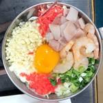 おうさか苑 - ミックス玉(いか、えび、豚肉入り)¥1250