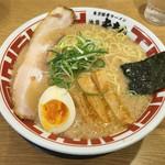 東京豚骨ラーメン 屯ちん - 「東京豚骨ラーメン 大盛」680円