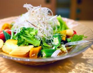 麻布 久徳 - 大潟村野菜サラダうどん