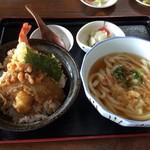 豊味うどん - 天丼セット コシなく流行りではないかもしれないが王道。