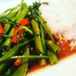 カオマンガイ - 空芯菜炒めご飯