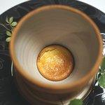 レスト ケイ ヤマウチ - 下の方に小さくチーズケーキ