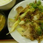 松屋 - 豚肉とたっぷり冬野菜炒め定食 税込630円