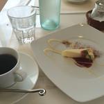 トラットリア マータント - ランチコースのデザートとコーヒー