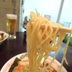 電撃屋台 クラッシュ - 麺アップ(下手ですね!)