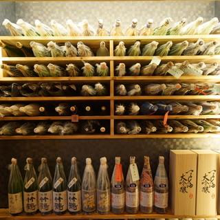 -5℃の貯蔵庫・常温庫で日本酒を熟成させる。