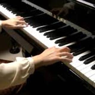 ピアノの生演奏(バースデー特典あり)ノーチャージ!