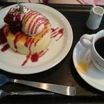 葉山珈琲 - パンケーキセット