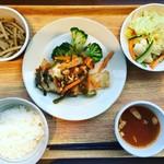 岡山淳風会タニタ食堂 - 週替わり定食(鮭のピザ焼き)@780