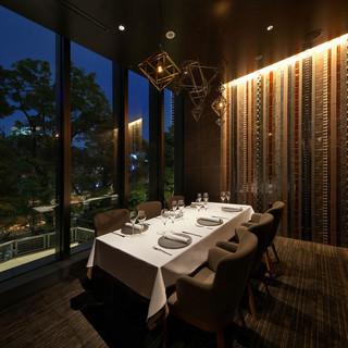 特別な日のお食事や接待に最適な個室