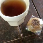 ヒーリングテラス - お茶と饅頭
