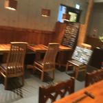 遊猿 - テーブル席