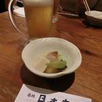 築地日本海 - 生ビール、お通し