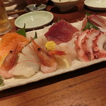 築地日本海 - 刺身盛り合わせ
