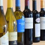 honohono - ドリンク写真:ボトルワイン各種取り揃えています。お好みをスタッフにご相談ください。