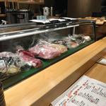 和食と立喰い寿司 ナチュラ - 店内カウンター