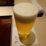 銀座 喰い切りひら山 - まずは生ビール(エーデルピルス、1069円)