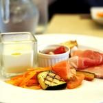 クワトロ・スタジオーニ  - 前菜とスープ
