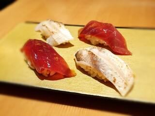 まんてん鮨 丸の内 - 本マグロ赤身の漬け・カマス