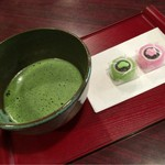 大學堂 大學丼食堂 - お抹茶 お菓子付き300円
