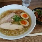 月麺 - 味玉らぁめん 塩 820円、Aランチ(チャーシュー丼) 200円