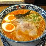 5596710 - 辛味噌麺(からしみそめん)750円+味玉100円トッピング