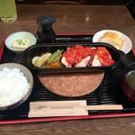 ミニヨン 坂ノ上 - ダッチオーブン定食