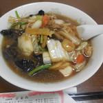 百楽門 - 料理写真:台湾風うま煮そば