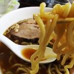 55962973 - 麺は中太麺ということであるが、充分太麺
