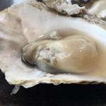55963976 - 焼き牡蠣