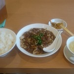 宝来飯店 - お昼の定食。スープ付き