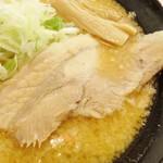 肉麺 金の豚 - チャーシュー