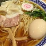 舎鈴 - 水餃子そば(中盛り) + 半熟味玉(アップ)