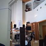 アイレMDレストラン - ドラムがあります。生演奏があるのかな