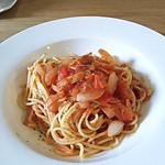 アイレMDレストラン - ベーコンと小海老のトマトソースのパスタ