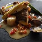 55976085 - 天然真鯛のポワレ 生ウニのバターソース