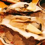 55980973 - 突出しに『北海道産生牡蠣』様って凄くない!?流石に魚無しでは生きられないこのお店♪