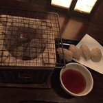 信州長屋酒場 - 蕎麦がきの網焼き よい摘みです
