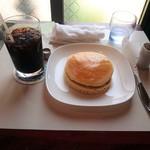 55987137 - 昭和の喫茶を詰め込んだ写真。