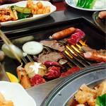 ひろ焼肉 - 料理写真:ひたすら焼きます