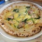 マンマのピッツァ - ほうれん草とベーコンのサルシッチャ風¥980