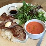 METoA Cafe & Kitchen - ランチステーキプレート