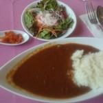56004361 - 食べログワンコインランチは、通常920円の野菜カレー&サラダのセット