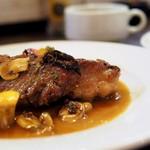 チャビーズキッチン - 豚肩ロース肉のスカロッピーネ(レモンバターソース)