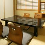 仁屋 - 広々と4名様からご利用頂ける完全個室「梅の間」