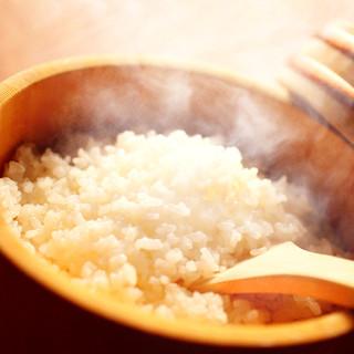 『酢』に拘ったシャリ-新潟県魚沼産コシヒカリ使用-