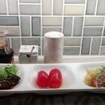 花彩 - おばんざいセット  鯖の味噌煮が格別でした!! 下ごしらえも細かなところまで気配りされていて、思わずうなる一品です♪